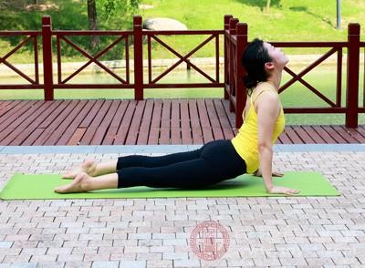 瘦身瑜伽的动作 瘦身瑜伽的注意这些事项