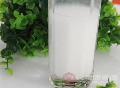 牛奶燕麦粥(牛奶250毫升,燕麦25克