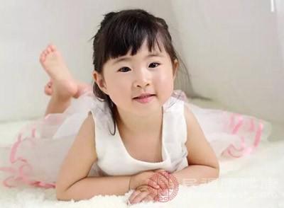 宝宝感染乙肝的症状有精神状态和食欲都下降