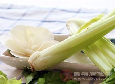 芹菜怎么做好吃 这类人不宜多吃芹菜