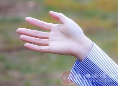 手麻脚麻是什么病的前兆 这样做能预防手脚麻