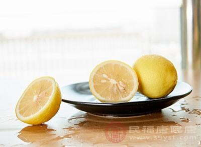 橄榄油、柠檬、盐