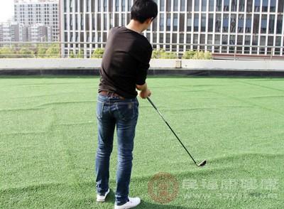 打高尔夫技巧 打高尔夫小心这些事项