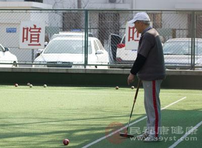 老年人晨练注意事项 老人晨练3种方式更适合