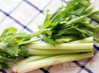 芹菜的食疗作用 芹菜这样吃效果佳