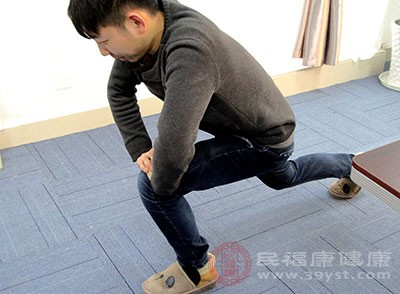 男人压腿有什么好处 压腿对身体有这些影响