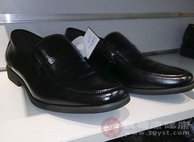 汉子选购皮鞋的技能 教你若何精确的买皮鞋