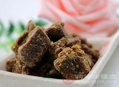 牛肉性温味甘,含有丰富的维生素A