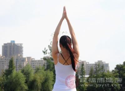 入门瑜伽的动作 入门瑜伽注意这些事项