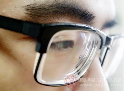 成年人出现远视症状,矫正的过程应该循序渐进