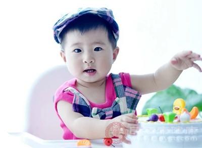 安徽蕪湖一幼兒園給孩子吃生蟲米