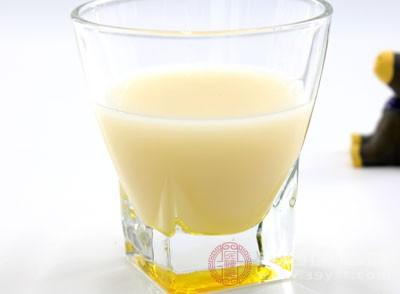 喝豆浆的好处 每天喝豆浆可以预防7种疾病