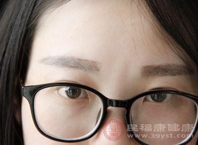 青光眼的早期症状 青光眼三种食疗方法效果好
