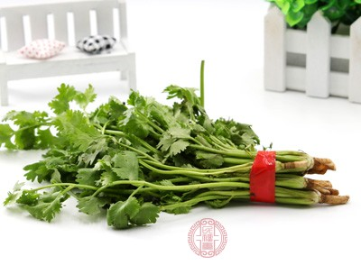 不要吃豆类、甜菜、芹菜、青椒、香菜