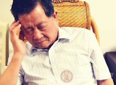 老人头痛是怎么回事 当心是这些疾病征兆