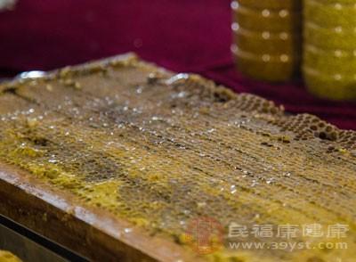 蜂胶的作用与功效 服用蜂胶6点禁忌要谨记