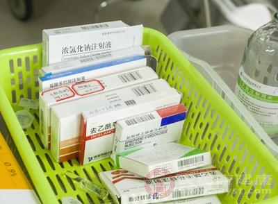 药物的使用,如肾上腺素