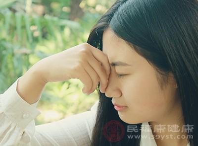 比如受到慢性化脓性鼻窦炎的长期刺激