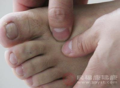 脚底按摩的好处 如何正确按摩脚底减肥