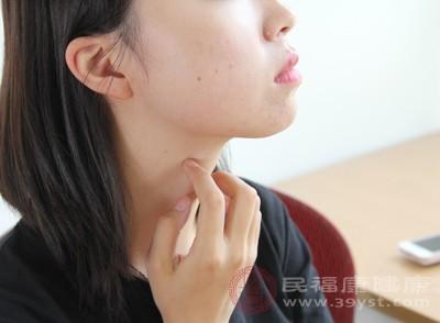 脸上长粉刺是什么原因 去除粉刺的4种方法