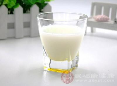 想补钙的人首选牛奶