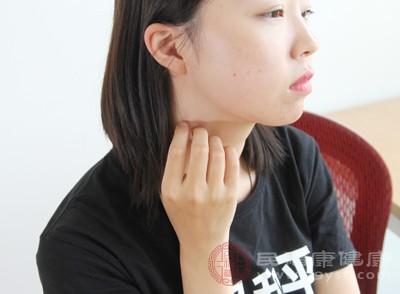 出现痘痘,对个人的形象有非常大的影响