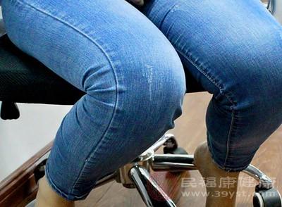 女人腰痛怎么缓解 经常腰痛危害大