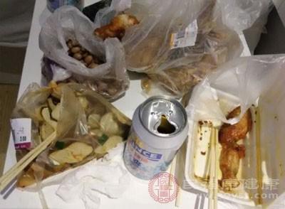 粉碎后的餐厨垃圾能够全部被蟑螂吃掉