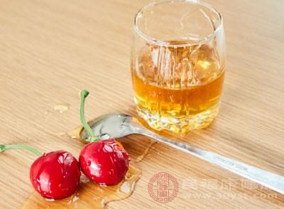 喝蜂蜜水有什么好处 蜂蜜水的11种功效
