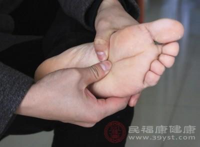 脚臭是什么原因造成的
