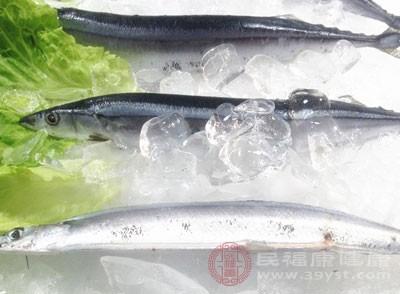 主料:秋刀鱼450g