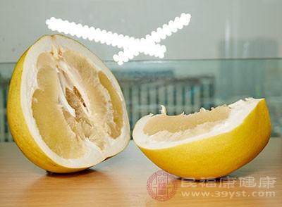 什么人不能吃柚子 脾?#24863;?#24369;记得不要吃它