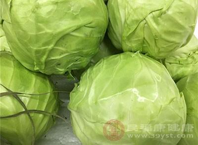 包菜(中等大小的四分一半),白背虾160g