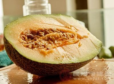 哈密瓜的功效与作用 这些人不宜吃哈密瓜