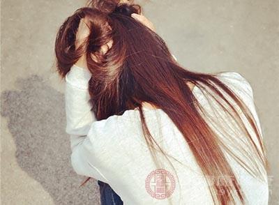 女性如果长时间处在心情压抑的情况下,会引发黄褐斑