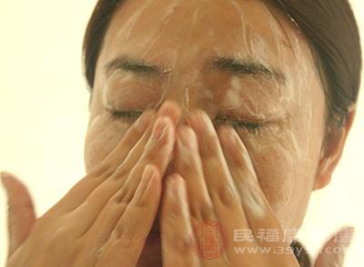洗脸的正确方法 你不知道的一些洗脸禁忌