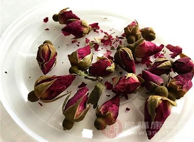玫瑰花茶也可以理气解郁,对人体有极大的好处