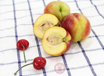 桃子的功效 这类人群不宜吃桃子