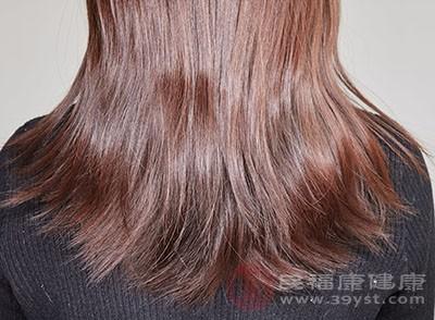 头发分叉的原因 头发分叉可以这么做