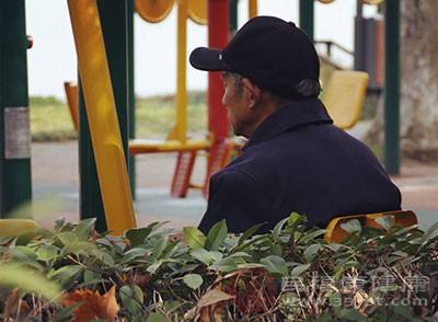 人物-老人的背影-养生信息事业部-图片组-吴佳佳拍-王妍雅修 (1)_看图王.jpg
