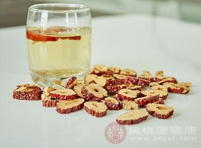 冬季喝红参大枣茶暖胃