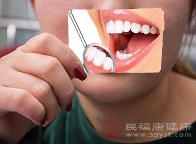 口腔溃疡发病原因 吃它们能缓解口腔溃疡