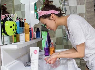 洗脸用的水温非常重要