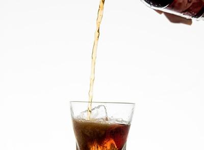 可乐中大部分的元素都是磷酸