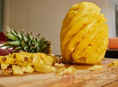 菠萝的好处 吃这个水果能够促进消化