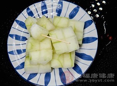 冬瓜中含有丰富的膳食纤维