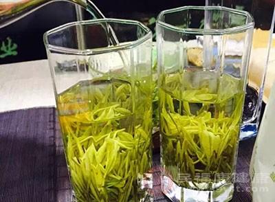 饮茶可降低骨折住院风险