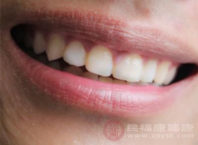 洗牙可以美白牙齿吗 洗牙的作用竟这么大