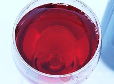 红酒的好处 经常喝红酒改善身体6大问题