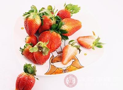 草莓中也含有丰富的胡萝卜素